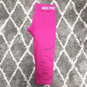 Nike Pro Dri Fit Seamless Capri pants